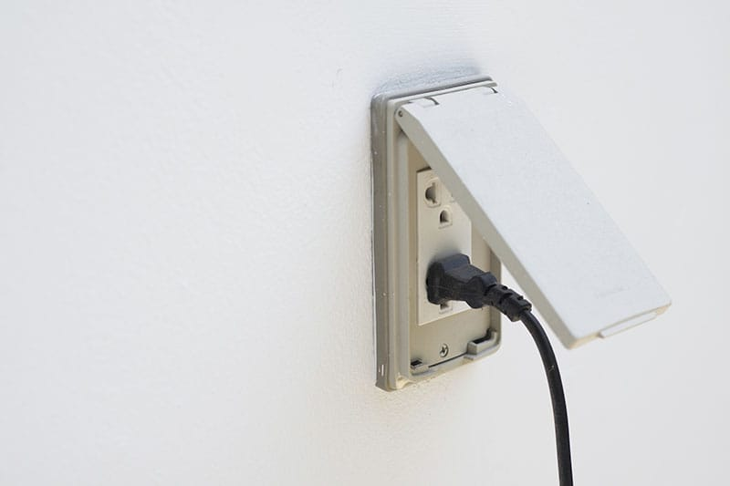Outdoor electrical outlet installation pictures